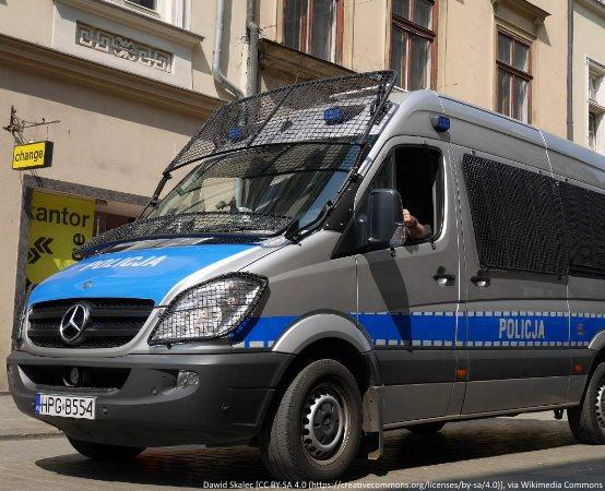 Policja Zielona Góra: Kandydaci do Policji ćwiczyli na torze przeszkód