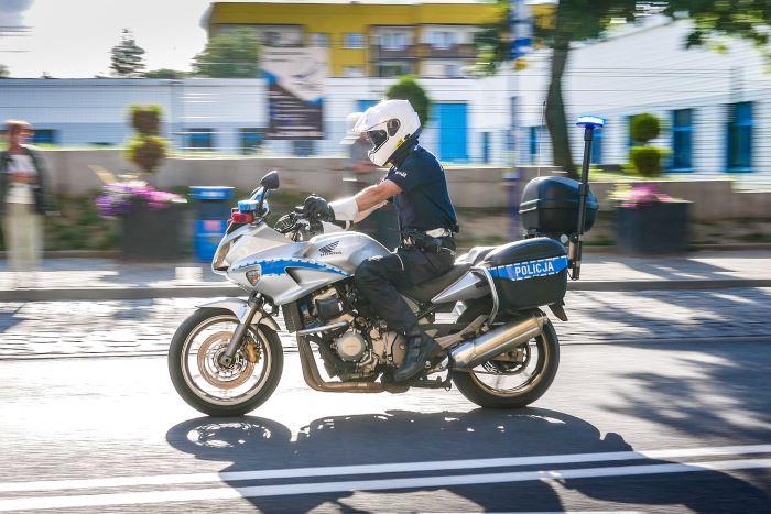 Policja Zielona Góra: NOŚMY ODBLASKI!